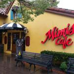 Entrance to Mimi's Cafe
