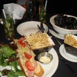 Baguette with Ham and Gruyère au Gratin: Mussels and french fries(poulette, mustard, curried cre
