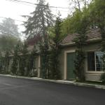 Small single-story motel, clean , comfortable, and a great value!