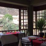 El desayuno con una vista hermosa al centro Arqueológico de Ollantaytambo.