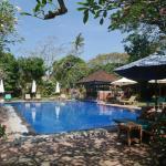 Superb Pool