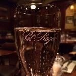 Kom in och njut av ett glas Pol Roger, vår och Winston Churchills favoritchampagne