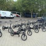 Nuestra flota de bicis eléctricas preparada para un tour en bici