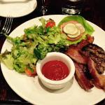 Roseda Farm Burger w Salad