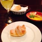 bread knots before dinner