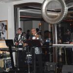 Ediz Onay and his band's performance