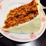 морковный торт - пальчики оближешь) Полезный,нежный,а крем!А главное - недорогой!Кусочек будет с