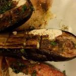 Salmon rosado con berenjenas al horno de barro. Increible....