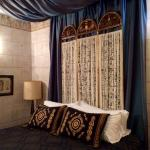 Egypt suite king bed