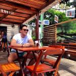 Hora de um café no terraço do hostel