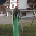 Scivolo del mini parco giochi dell'hotel