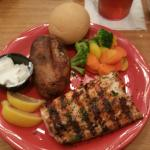 blackened Mahi dinner at Rodes seafood