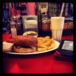 Nothing like an Ed's Diner Meal with your Kindle for company to lose yourself for a bit ��������