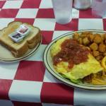 omelet breakfast is YUM!