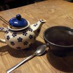 Thé servi, le volume de la théière est moyen...