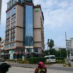 Outside the hotel, posta Dar es salaam