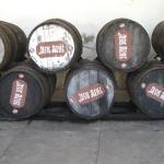 Viele alte Tequila Fässer, die einen einzigartigen Flair versprühen
