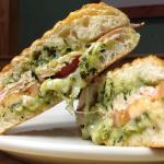 Turkey sandwich with pesto