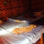 Lit bambou avec matelas 5 cm, merci le confort!!!!