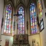 Vitraux de l'autel principal