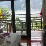 Photo de Phi Phi Four Season Sea View Hotel
