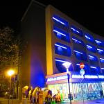 Hotel Sorriso in the night