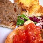 Bruschette al pomodoro + olio & olive nere