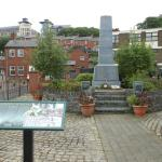Derry, il monumento alle vittime del Bloody Sunday nel Bogside