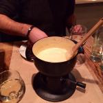 Fondue aux fromages suisses