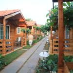 cottages..way to beach..