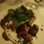 Kaninchenleber  mit Wildkräutersalat