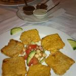 Hausgemachter Käse in Kichererbsenmehl mit 3erlei Soßen,Tamarind,scharf, Joghurt