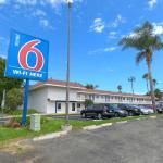 Photo de Motel 6 Costa Mesa