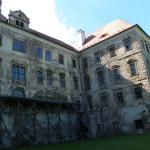 Jezeri Chateau