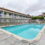 Photo de Motel 6 Salinas North - Monterey Area