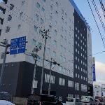 弘前の中心部に立っています