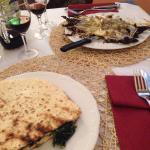Torta al testo con verdure e radicchio alla piastra con pecorino