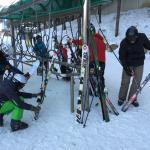 Ski cleaning station