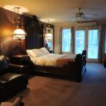 Creekside View Room