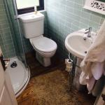 Great little bathroom with nice hot shower