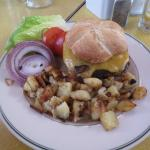 Royal Burger with home fries