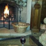 Mulled wine & mince pies by the fire.