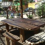 Mesa y bancos muy originales