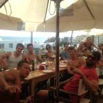 Amigos no Restaurante - área externa
