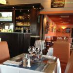Salle de restaurant de la Criée Saint André Les Vergers