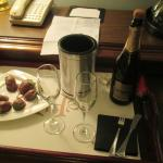 Chocolate covered strawberries and champagne in room