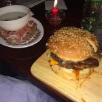 Cheeseburger doble carne, rico al carbon