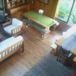 El living de Casa Satya, muy alegre y acogedor