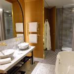 spacieuse salle de bain