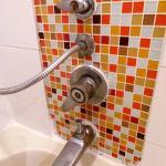 salle de bain rouillé sale, et pourrie, pas d'eau chaude